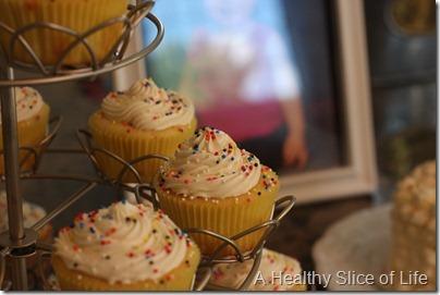 Hailey's 1st birthday- cupcakes