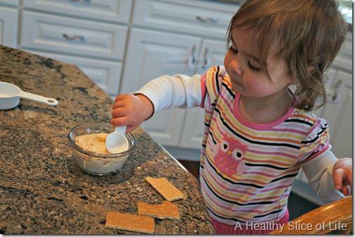 toddler dips-peanut butter chobani dip- toddler helper