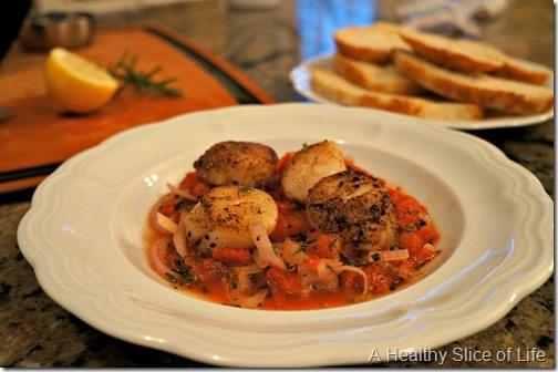 lemony herb tomato scallops