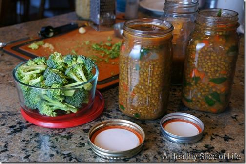 lunch prep lentil soup and chopped broccoli