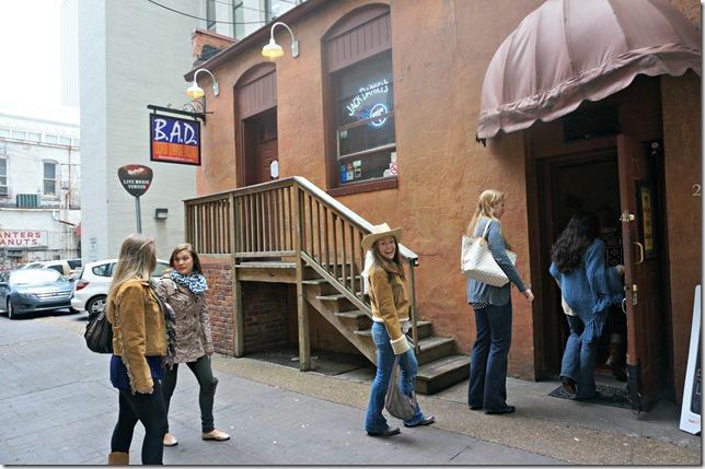 trip to nashville- 2 back alley diner
