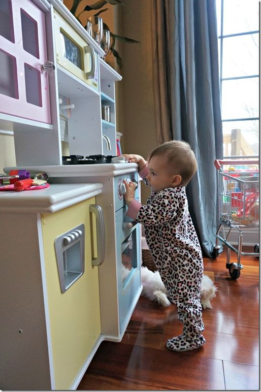 8 months old- kitchen play