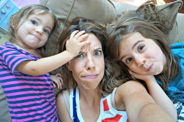 mom-girls-silly-face