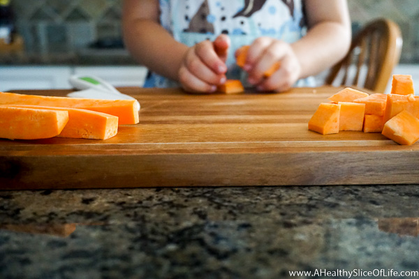 teaching kids to cut- knife skills in the kitchen (5 of 16)