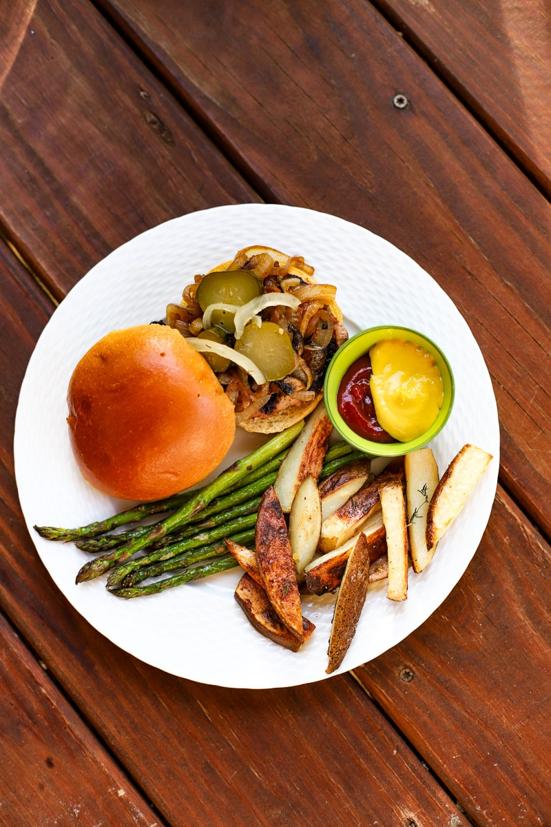 A Healthy Slice of Life - dinner - turkey burgers with oven fries